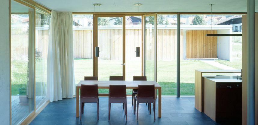 I nostri partner: Hausplus, porte e finestre ecosostenibili